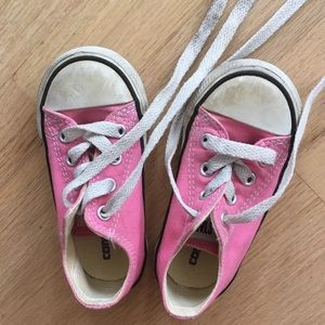 CONVERSE 6c toddler chuck Taylor sneakers